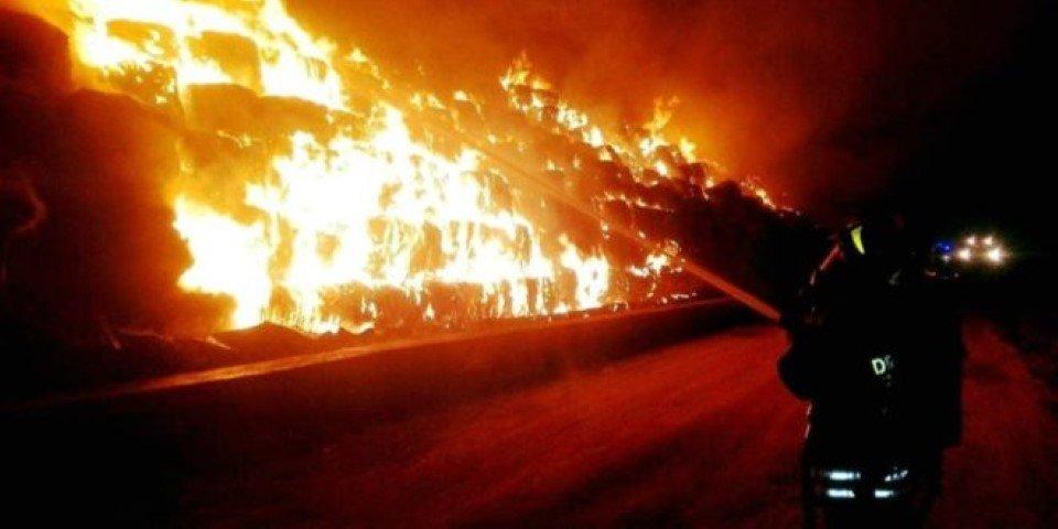 Incendio sito taverna del re zinzi interroga bonavitacola for Creatore del piano del sito