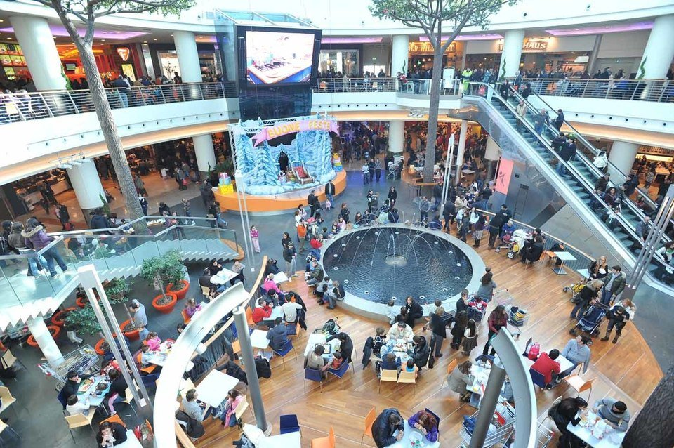 Centro commerciale campania prendi al volo la fortuna for Centro commerciale campania negozi arredamento