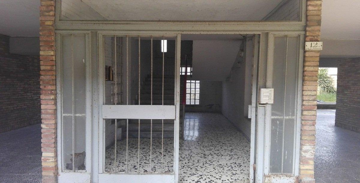Caserta al rione vanvitelli la storia di una palazzina for Piani di una palazzina di una storia