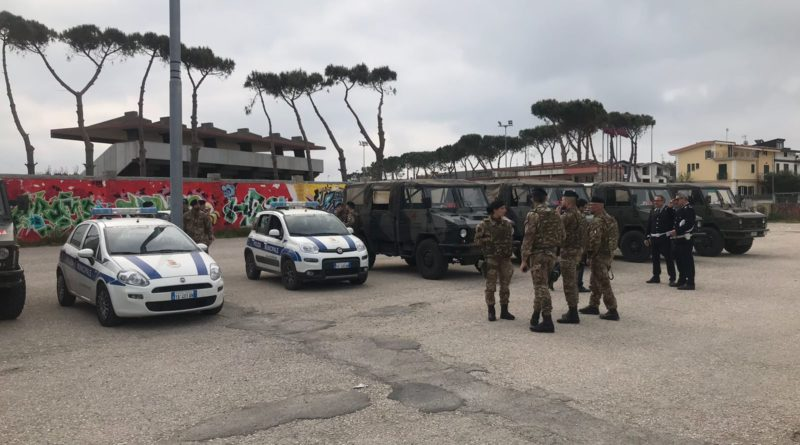 MONDRAGONE. POLIZIA MUNICIPALE, RAFFICHE DI CONTROLLI SUL DEGRADO IN CITTA'