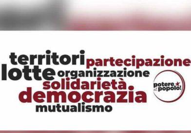 """CASERTA. IL GRUPPO DI """" POTERE AL POPOLO"""" IN PIAZZA IL 25 APRILE"""