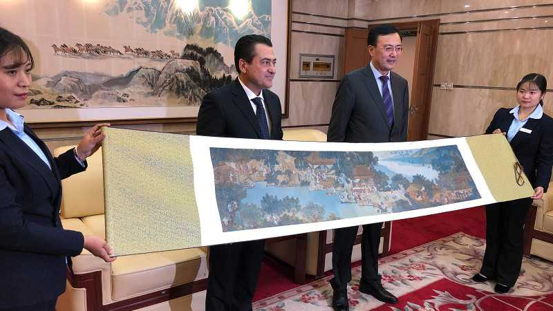 """Città di Caserta: Successo per la missione in Cina. In primavera """"Via della Seta"""""""