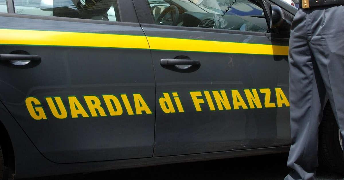 Aversa: Baschi Verdi della GDF sequestrano calzaturificio abusivo