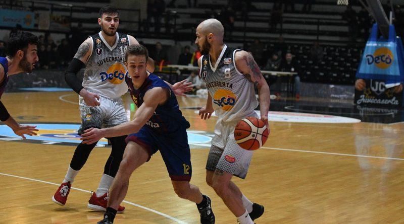 Basket. La Decò Caserta vince il derby con Salerno e si conferma capolista