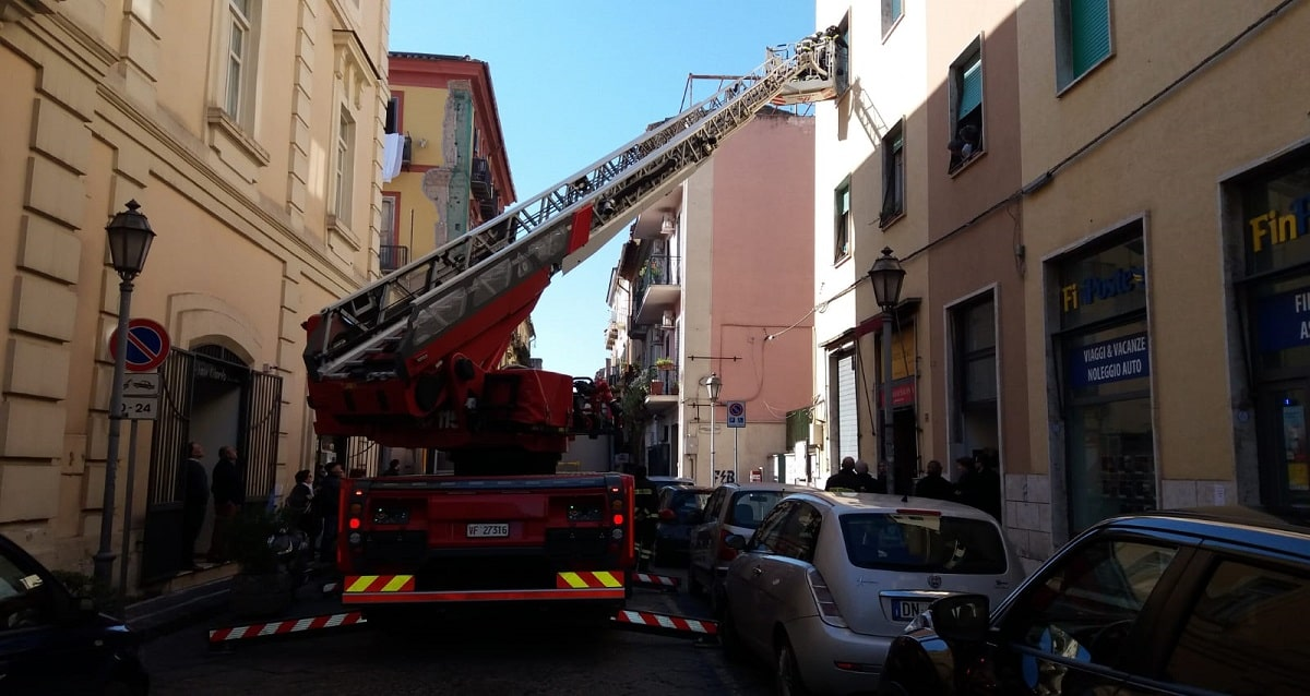 Caserta. Via San Carlo subisce pericolosissimo furto - Belvedere News - Alessandro Fedele