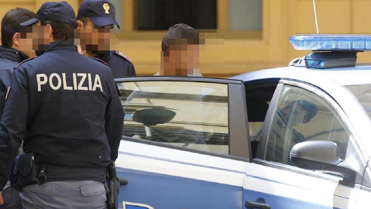 Commissariato PS Aversa blocca attività di spaccio di droga tra padre e figlio