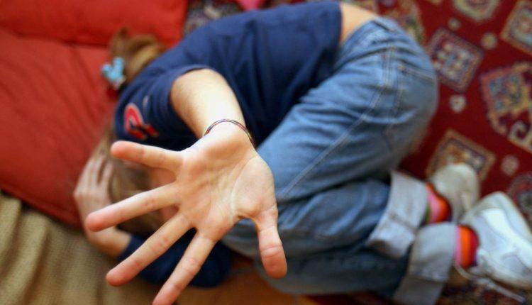 BELLONA, PRESO ORCO | Abusa per 4 anni di una bambina