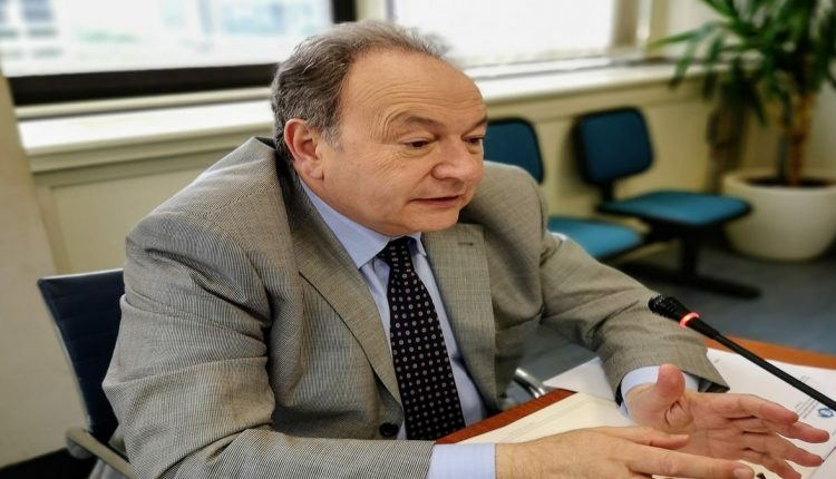 Gennaro Oliviero, Presidente della Commissione Ambiente in Consiglio Regionale, annuncia l'odierna approvazione in Commissione, della sua Proposta di Legge per la riduzione dei nitrati sul territorio campano, evitando così, la sanzione conseguenti alla procedure d'infrazione della Comunità Europea