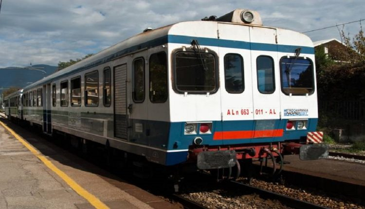 Cinque nuovi treni per l'Alifana, a breve incontro con il presidente dell'EAV