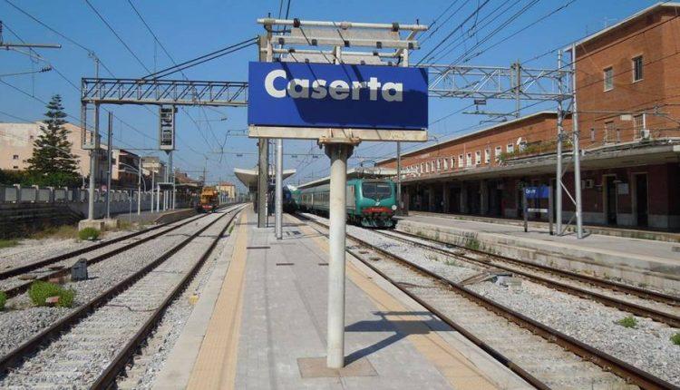 Caos sulla rete nazionale ferroviaria, ritardi anche per i pendolari casertani