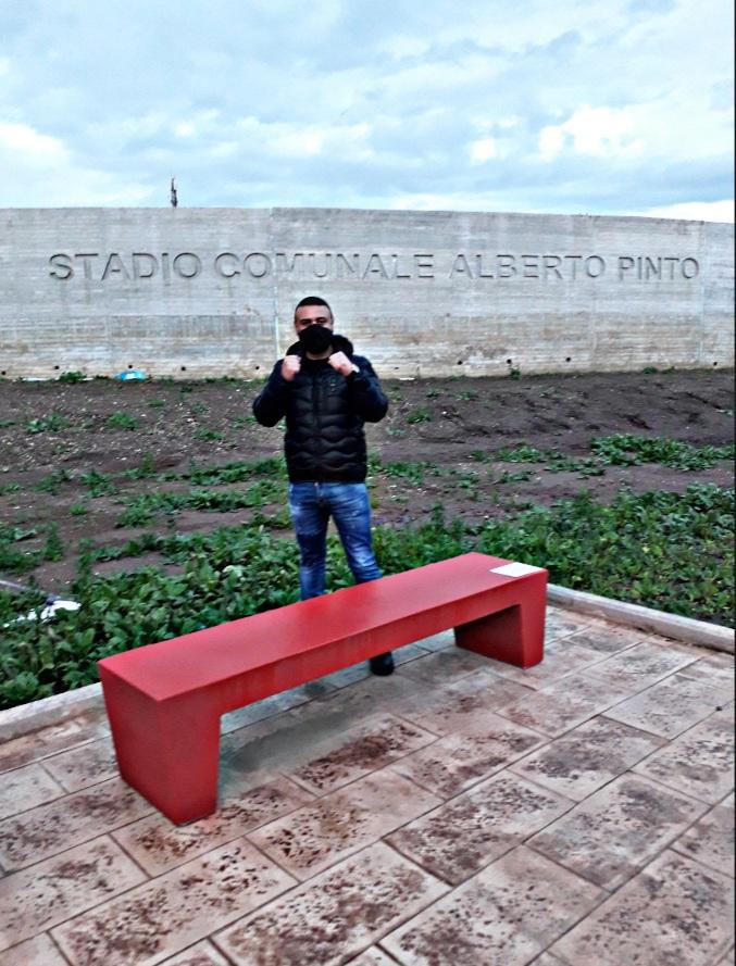 Le foto. Panchina rossa allo stadio Pinto di Caserta